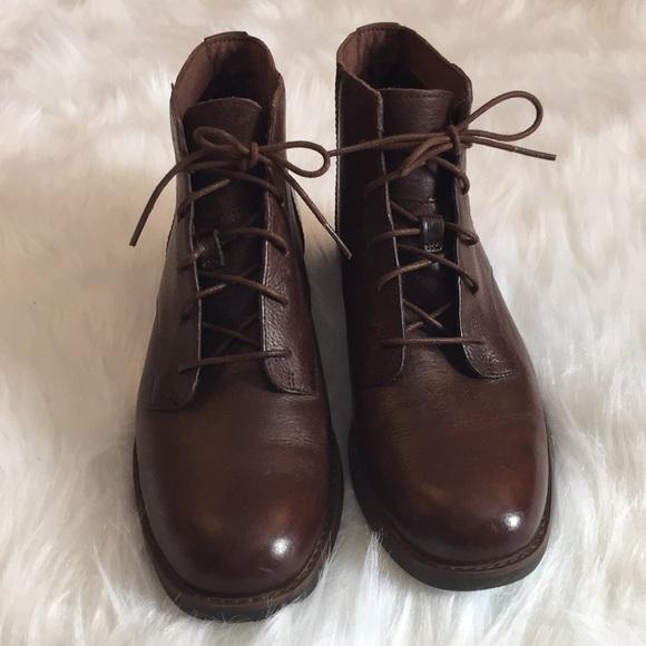 1e7d487f2bc Women's Timberland A14NB Beckwith chukka Boots